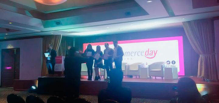 Conferencia sobre generar clientes con Internet