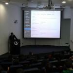 Henry Silva exponiendo en wordcamp Lima